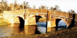 英格兰Bodiam砖石桥